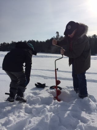 ice fishing drilling 1